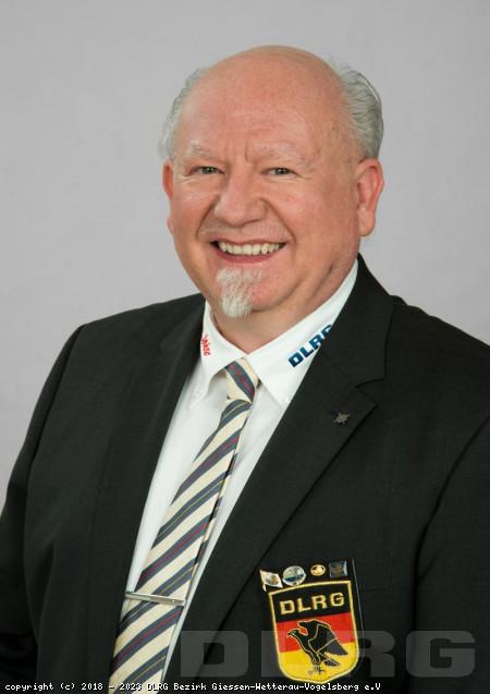 Bezirksleiter: Claus Protzer
