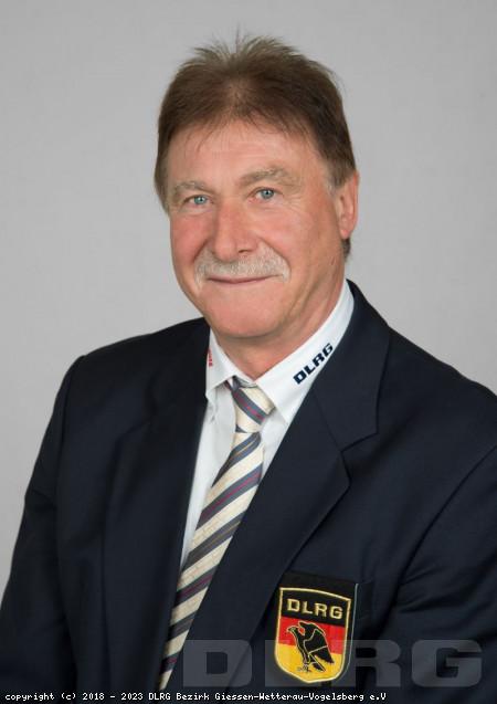 stellvertretender Bezirksleiter: Willi Schmutzer