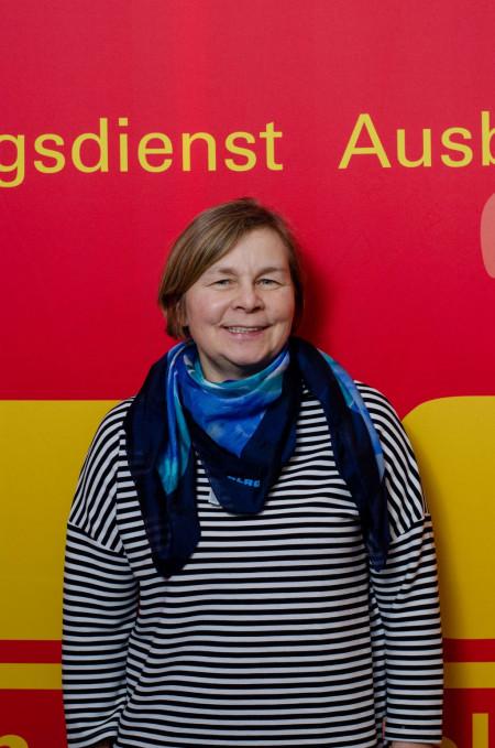Schwimmen und Rettungsschwimmen, Erste Hilfe: Birgit Saul