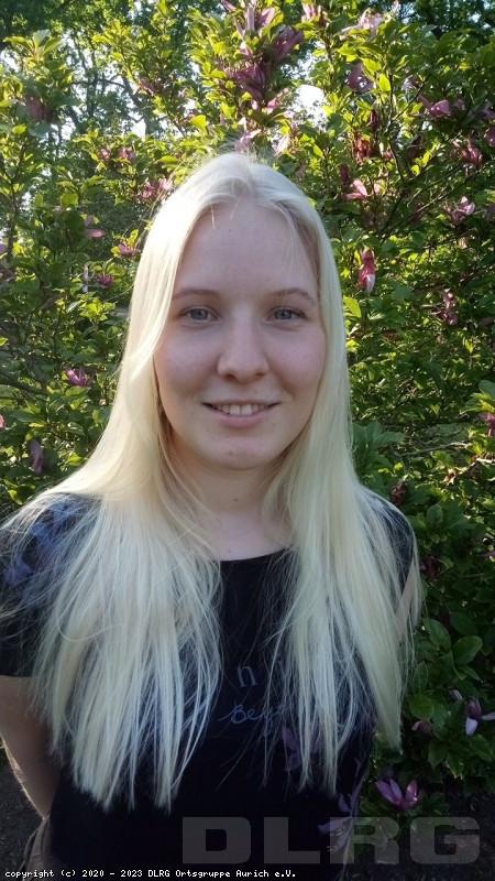 Schatzmeisterin: Annalena Erdwiens