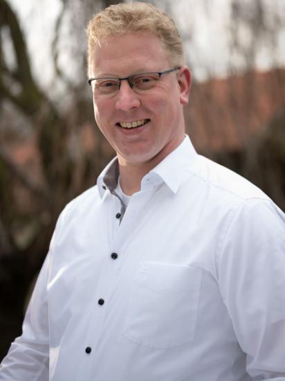 Stellvertretender Vorsitzender: Henrik Schlüter