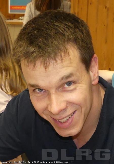 Leiter Materialwesen: Sebastian Wenge (Industrieelektroniker)